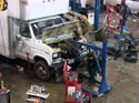 290_Ford_E350_truck_cubevan_V8_engine_removal6
