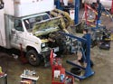 293_Ford_E350_truck_cubevan_V8_engine_removal9