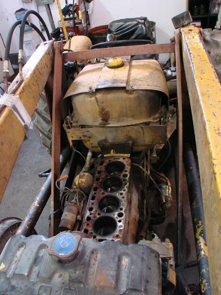 180_Gas_tractor_engine_repair