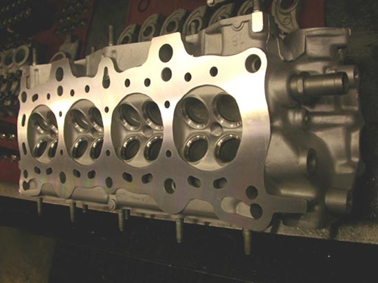 148_hemi_cylinder_head_new_valve_seats