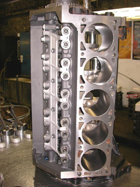 176_high_performance_V8_engine_before_assembly